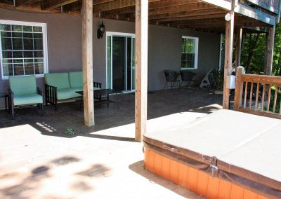 11 Guest House lower porch